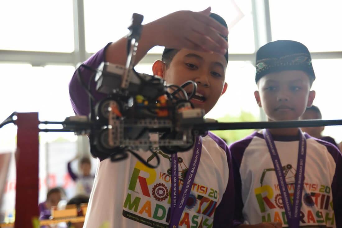 Peserta Kompetisi Robotik Madrasah Membludak, Berikut Rinciannya - Siedoo