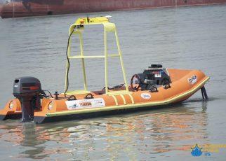 KAPAL. Penampilan intelligent Boat (i-Boat) ITS saat berada di tengah laut. (foto: ist)