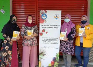 STUNTING. Tim PKM Untidar Gandeng Kelurahan Kramat Selatan Kota Magelang dalam memberantas stunting. (foto: ist)