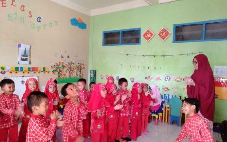 BELAJAR. Pembelajaran di TKIT Al Hikmah Secang, Kabupaten Magelang sebelum masa pandemi corona. (foto: ist)