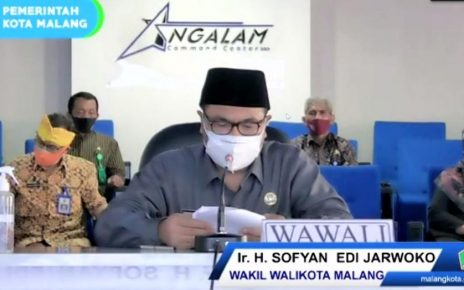 DARING. Wakil Wali Kota Malang Ir H Sofyan Edi Jarwoko memberikan sambutan sebelum penandatanganan MoU secara daring. (foto: ist)