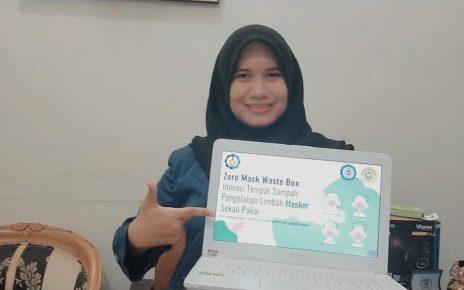 RANCANG. Rosalia Kurniasari selaku ketua tim mahasiswa ITS perancang Zero Mask Waste Box. (foto: ist)