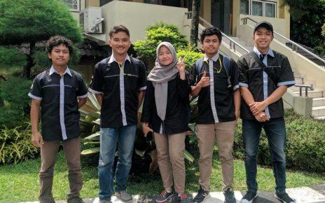 MAHASISWA. Tim Daguras 3D yang beranggotakan lima mahasiswa Untidar. (foto: siedoo.com)