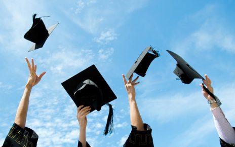 Ilustrasi kelulusan kuliah. (foto: net)