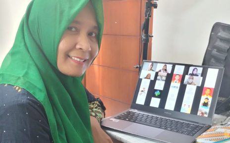 Uies Christanti, Guru Bahasa Inggris SMK N 1 Magelang